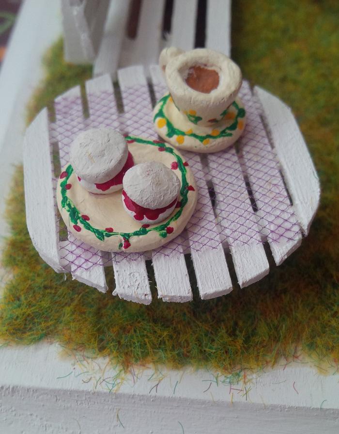 Niki Owl English Tea Party close-up #2